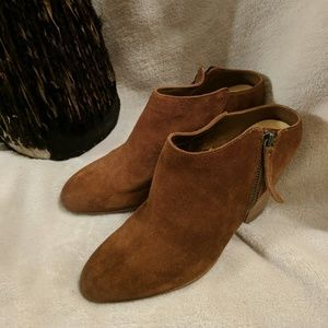 Dolce Vita size 10 tan suede booties lightly worn